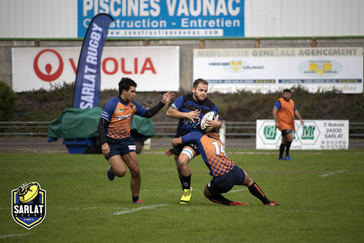 Lormont defenders were well coordinated and did not hesitate to shut out Sarlat Rugby
